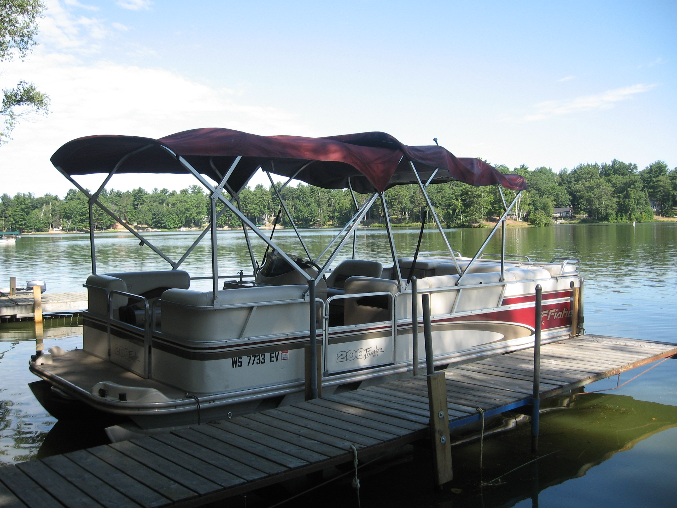 20 ft pontoon 001 for Wisconsin fishing resorts with boat rentals